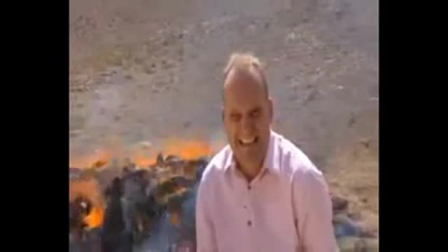 Un reporter de la BBC es 'col·loca' accidentalment durant una connexió