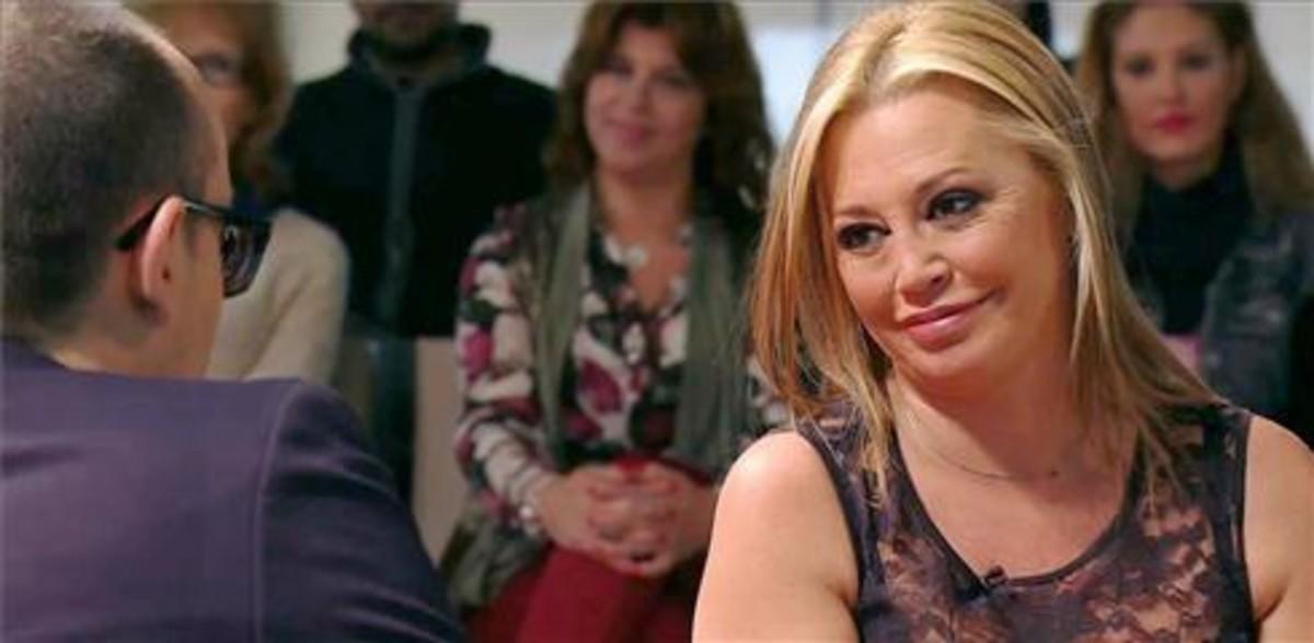 Risto Mejide charla con Belén Esteban en 'Chester in love' (Cuatro).