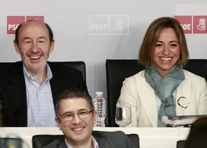 Alfredo Perez Rubalcaba i Carme Chacon, el 12 dabril passat a Madrid, durant el comitè federal del PSOE.
