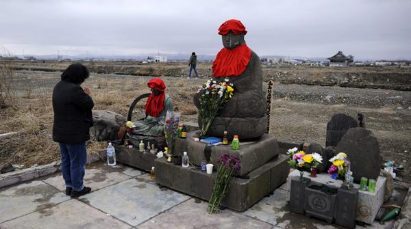 El Japó recorda la tragèdia de Fukushima en el primer aniversari del tsunami.