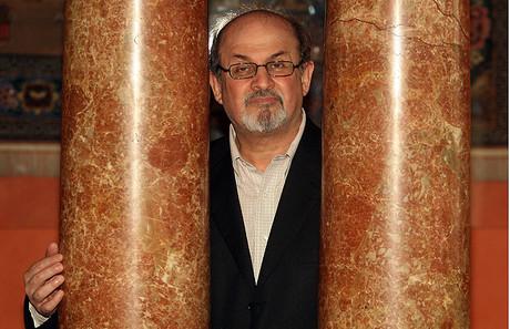 Salman Rushdie revela en sus memorias el trasfondo de su fatua.