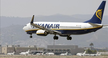 Un avin de Ryanair en El Prat.