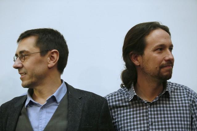 Juan Carlos Monedero y Pablo Iglesias, en una rueda de prensa de Podemos celebrada el pasado 20 de febrero.