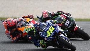 Rossi, Márquez y Zarco, durante la carrera en Phillip Island