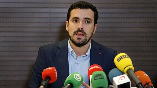 Garzón acusa Podem de fer política de fitxatges i de virar al centre per interès electoral