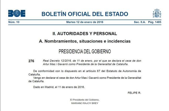 """El decreto de cese de Mas firmado por el Rey y Rajoy evita agradecer """"los servicios prestados"""" al 'expresident'"""