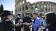 Polic�as chinos patrullan por Roma
