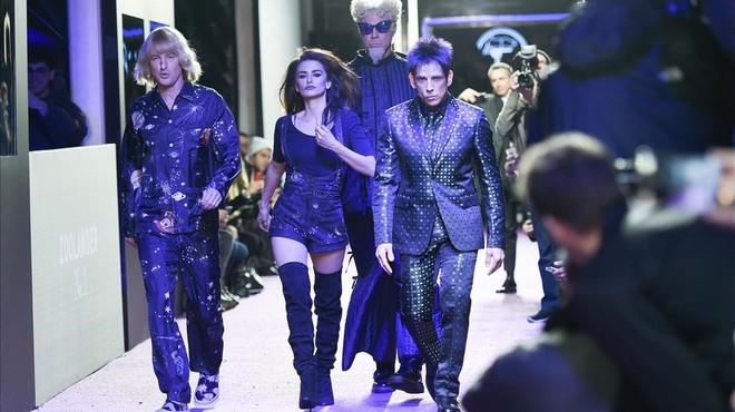Owen Wilson,Pen�lope Cruz,Will Ferrell yBen Stiller, en la pasarela de la Semana de la Moda de Nueva York, este martes.