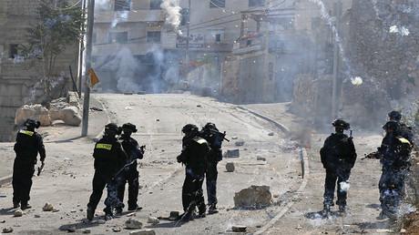 Soldados israel�s en los enfrentamientos en Jerusel�n Este contra palestinos