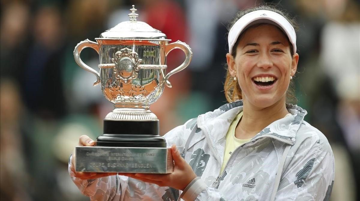 Garbiñe sucede a Arancha tras 18 años d esequia para las tenistas españolas.