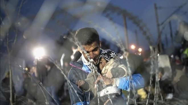 Immigrants es rebel·len després que Macedònia tanqui la seva frontera amb Grècia