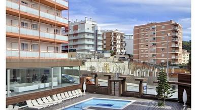 Ya son tres los hoteles de Lloret denunciados por tener la luz pinchada