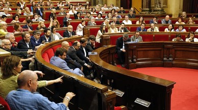 JxSí i la CUP aproven la reforma del reglament del Parlament per aplanar la ruptura exprés