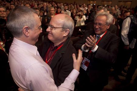 Montilla felicita al nuevo líder de PSC, Pere Navarro.