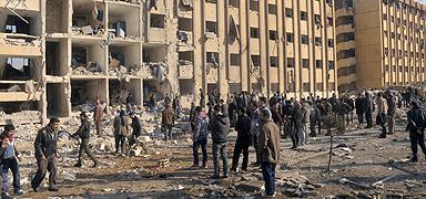Aspecto de un edificio universitario tras el bombardeo. EFE