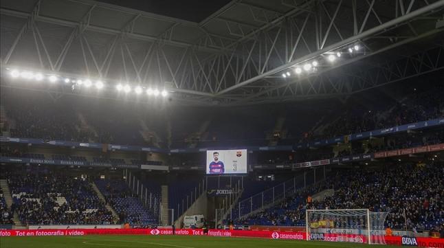 El nombre de Piqué, en el vídeo marcador de Cornellà.