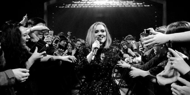 Adele confessa que fa quatre anys va tenir depressió postpart.