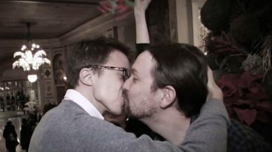 El petó als llavis de Pablo Iglesias i Íñigo Errejón