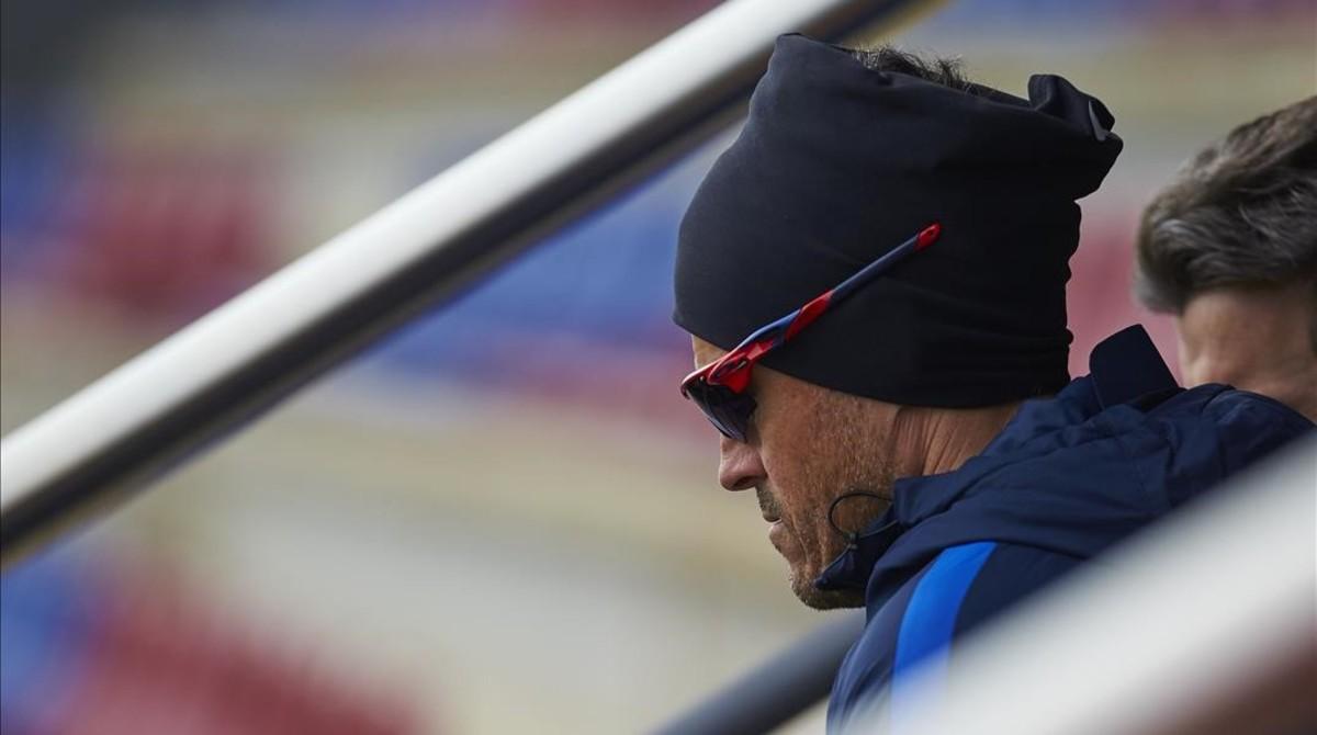 Luis Enrique, antes de empezar el entrenamiento previo a la vuelta de la Copa con el Athletic.