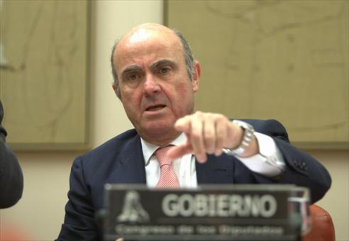 El ministro de Economía, Industria y Competitividad, Luis de Guindos, ayer, ante la Comisión de Economía del Congreso de los Diputados.