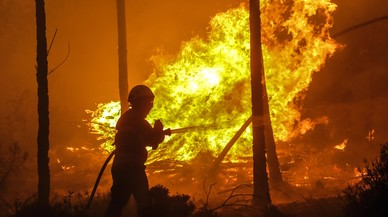Un incendi posa Portugal amb l'ai al cor