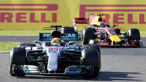 Hamilton, por delante de Verstappen en Suzuka
