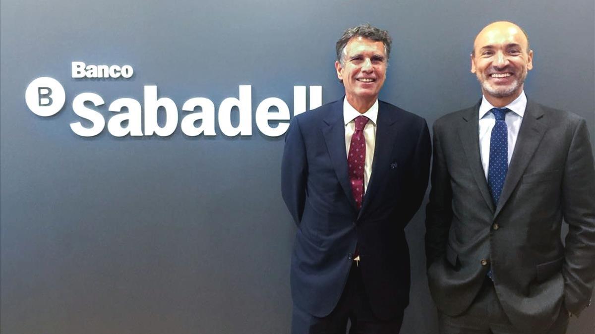 El sabadell pone en marcha su modelo de banca minorista en for Oficina trafico sabadell