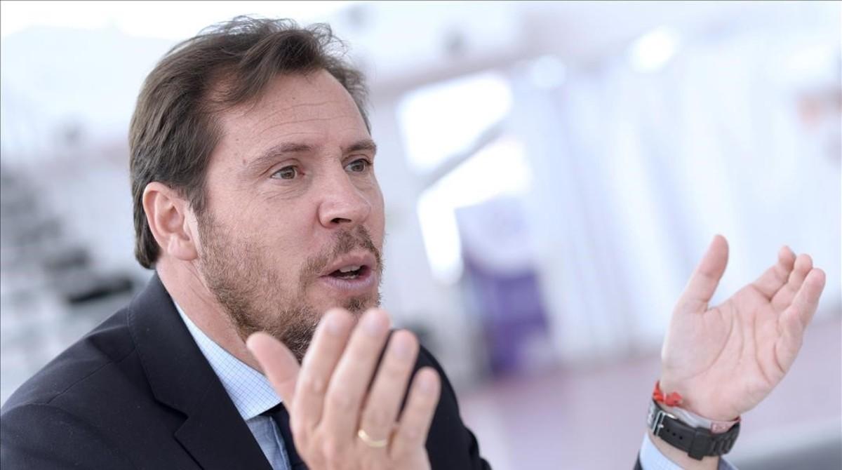 """El PSOE admite que """"no es fácil"""" el pacto con Podemos y Ciudadanos"""