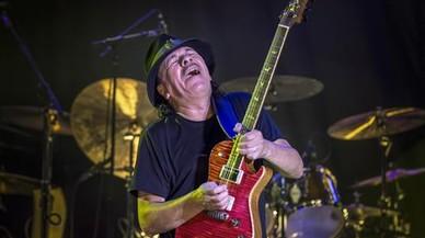 Carlos Santana, este s�bado por la noche, en el concierto del festival Jardins de Cap Roig.