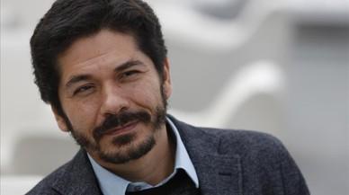 Juan Pablo Villalobos: Una peça de doble fons