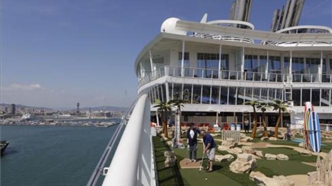 La inauguració del 'Harmony of the Seas' a Barcelona, en directe
