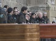 Los féretros de los dos agentes rurales, delante de la iglesia de Sant Llorenç de Lleida.