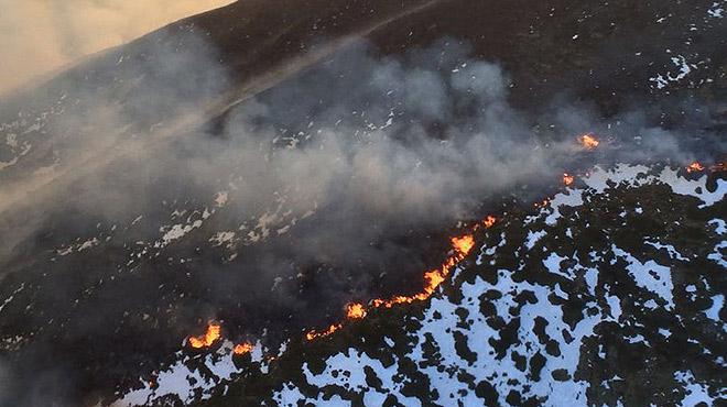 Un incendi crema 350 hectàrees de pastura a la Vall d'Aran