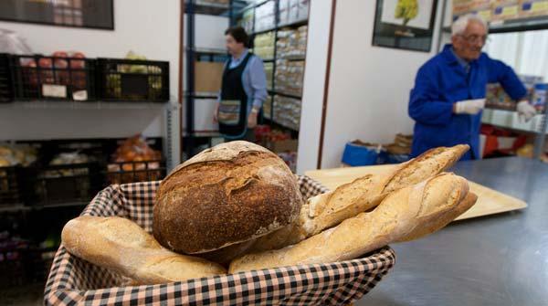 De la mano de un paquete de arroz, recorremos el trayecto de los alimentos desde el donante haste el beneficiario del Banc dels Aliments