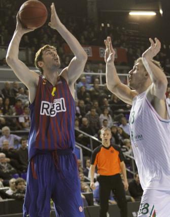 El Barça empequeñece al Siena y asalta el liderato europeo