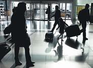 Viajeros en el aeropuerto de El Prat de Barcelona.