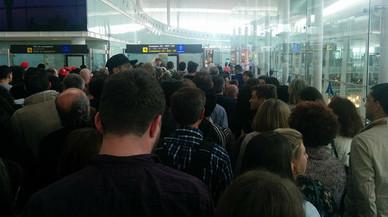 Colas en aeropuerto.