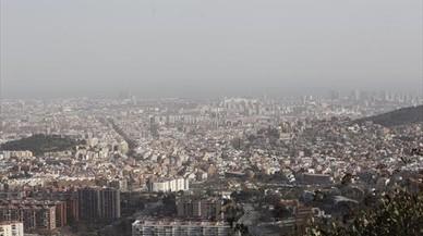 Barcelona aumentará un 10% el transporte público en los episodios de contaminación