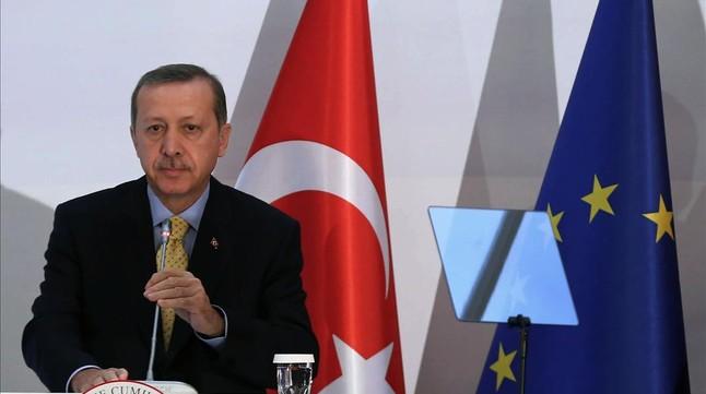 Golpe a Erdogan con la detenci�n de tres hijos de ministros del Gobierno turco por corrupci�n