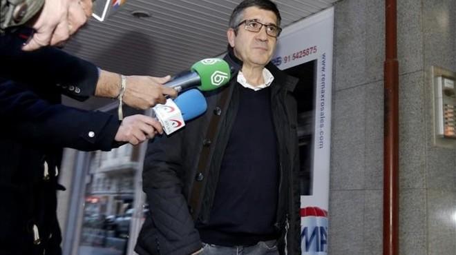 Patxi López, el pasado domingo, a su entrada a la reunión de los barones socialistas con Pedro Sánchez.