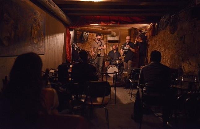 Barcelona protegerá la música en directo tras décadas de restricciones