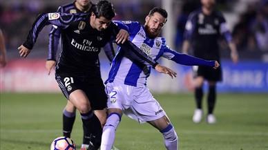 El Madrid guanya amb ensurt (2-4)