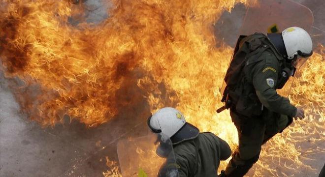 La reforma de les pensions paralitza Grècia en una vaga general
