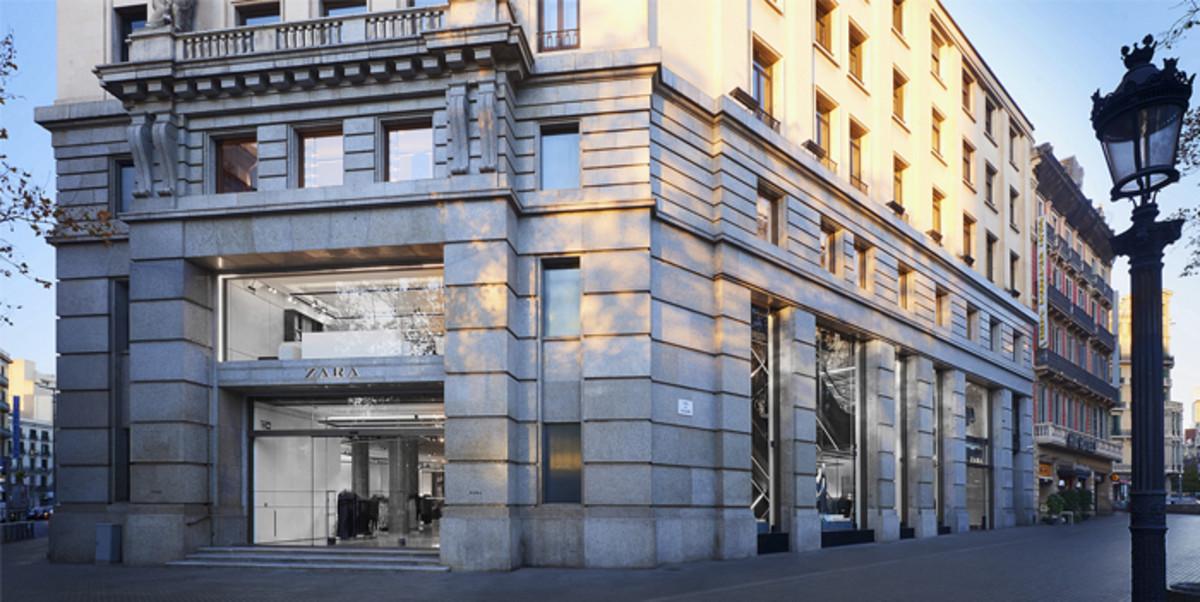Zara obre una macrobotiga a la plaça de Catalunya