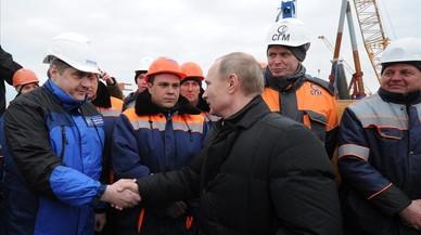 Moren 14 persones a Rússia al precipitar-se un autobús al mar