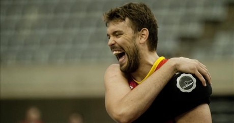 Marc Gasol, durante el entrenamiento en el Palau Sant Jordi.