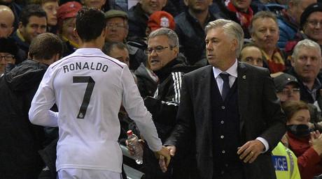 Carlo Ancelotti felicita a Cristiano Ronaldo tras sustituir al delantero portugu�s