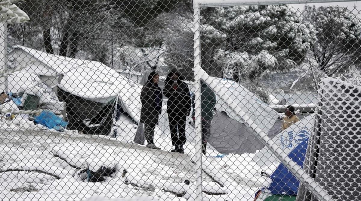 Campamento de refugiados de Moria, en Lesbos, completamente nevado.
