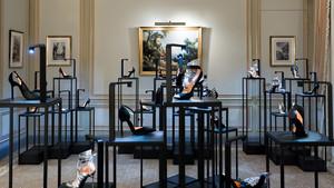 Colección de zapatos de alta costura de Walter De Silva en París.