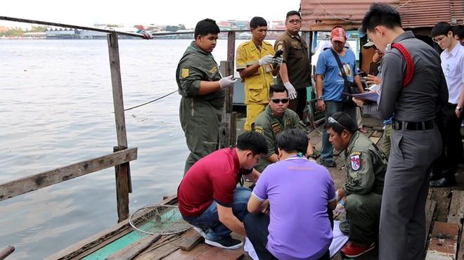 Agentes de polic�a de Tailandia, junto al lugar del hallazgo del cuerpo del ejecutivo catal�n David Bernat en Bangkok.